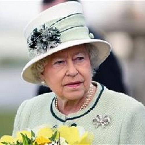 Английската кралица търси мияч на чинии