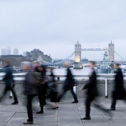 Британският пазар на труда остава свит, 1700 души кандидатстват за 8 работни места в кафене