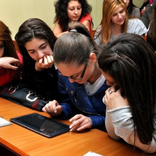 Тийнейджъри от Плевен учат за професиите на бъдещето в програма на Samsung