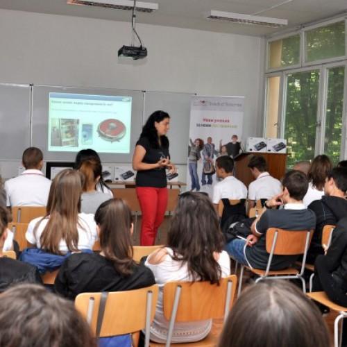 Ученици от Стара Загора учат за професиите на бъдещето със Samsung