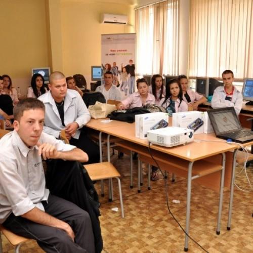 Мобилният екип на Trends of Tomorrow се срещна и с ученици в Русе