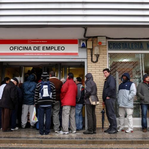 Испания се стабилизира, безработицата все още е рекордна