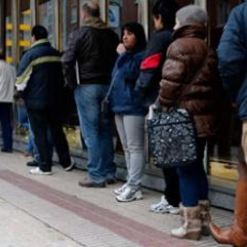 Безработицата в Испания спадна под 25%