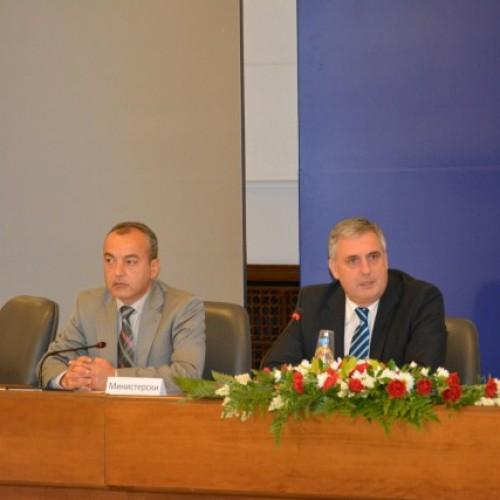Тристранният съвет разгледа предложението за увеличение на минималната работна заплата