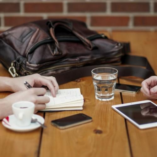 Трябва ли да сме честни на интервюто за работа?