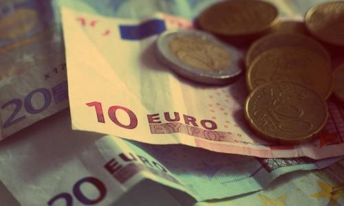 Парите на 62 човека са колкото на 50% от световното население