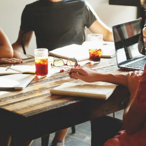 9 кратки съвета за това как да бъдете по-добър шеф (без да губите уважението на екипа си)!