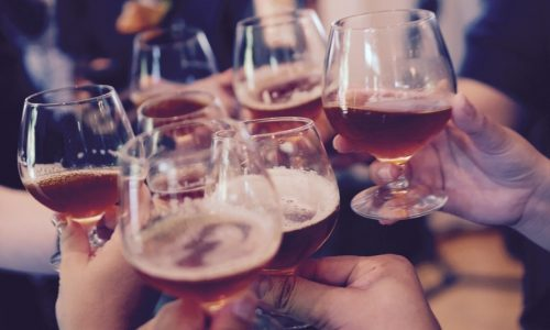 Добри новини – учени доказаха, че бирата е полезна за бизнеса!