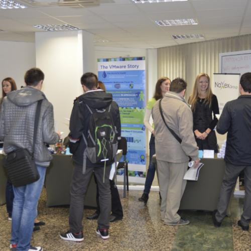 """7-то поредно издание на """"Дни на кариерата"""" в София среща студенти с водещи работодатели в секторите IT, Телекомуникации и BPO, предоставя възможност за безплатни консултации за изграждане на Personal brand на младите хора, за да са по-успешни в кариерата си и поощрява участниците с много награди"""