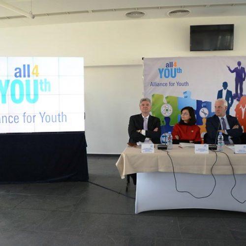 """""""Алианс за младежта"""" успешно осигурява работни места, обучение и стажове"""