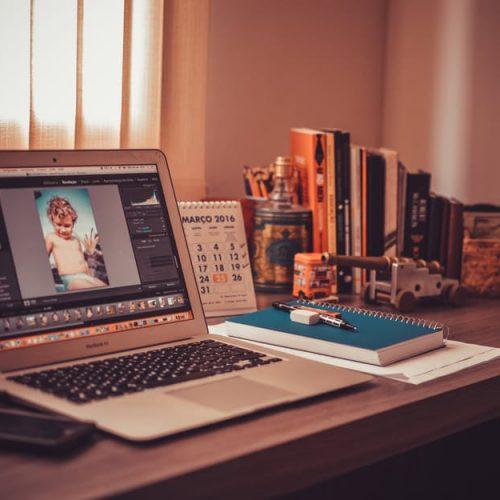 Как да организираме уютен и продуктивен домашен офис?