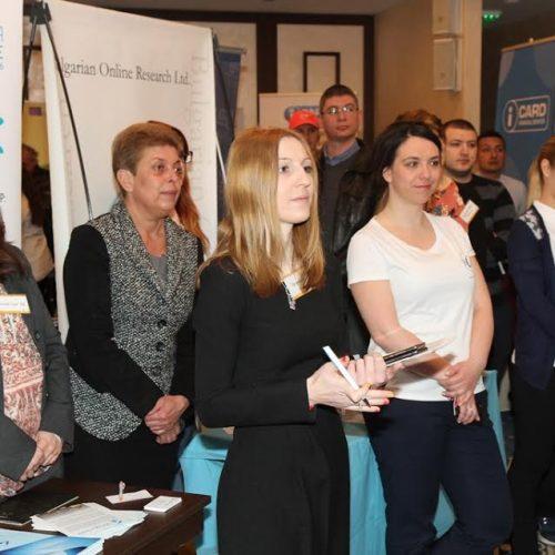 Във Варна 47 компании предложиха работа и стаж за младежи и студенти
