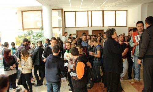 """23 компании се представиха на първото изложение """"Дни на кариерата"""" в Габрово"""