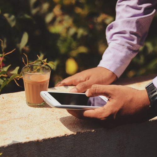 3 реалистични начина да спрете да се притеснявате за работа, когато сте извън офиса