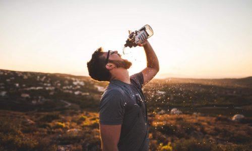 8 начина, по които помагате на тялото си, ако пиете вода на гладно