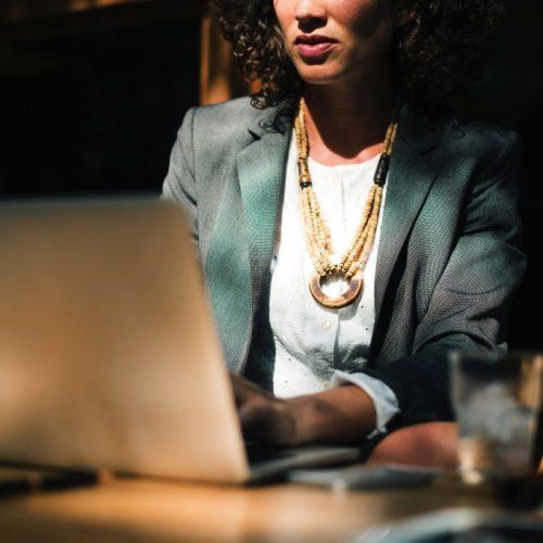 7 стъпки да критикувате, без да засегнете критикувания