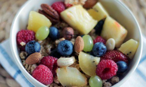 3 супервкусни храни, които ви помагат да горите мазнините, докато седите на бюрото