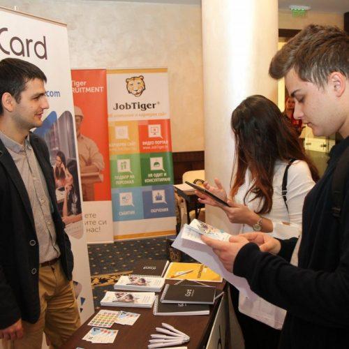 Варна и Пловдив се нареждат до София като развиващи се центрове на ИТ и aутсорсинг бизнеса в България