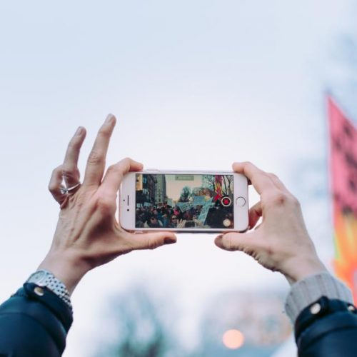 Как да създадете грабващо вниманието рекламно видео с малък ресурс?