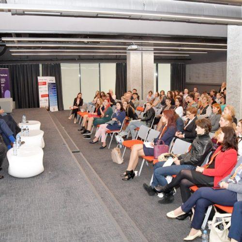 Kонферентният център на Capital Fort за един ден се превърна в център на обученията и дискусиите, свързани с фокуса към служителите