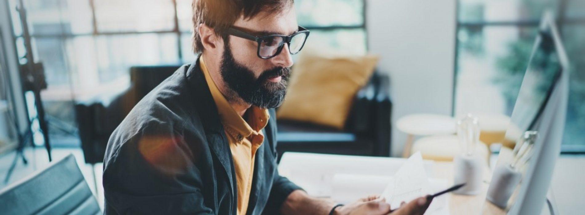 Работещите в ИТ и мениджмънт най-често търсят информация за заплатите си